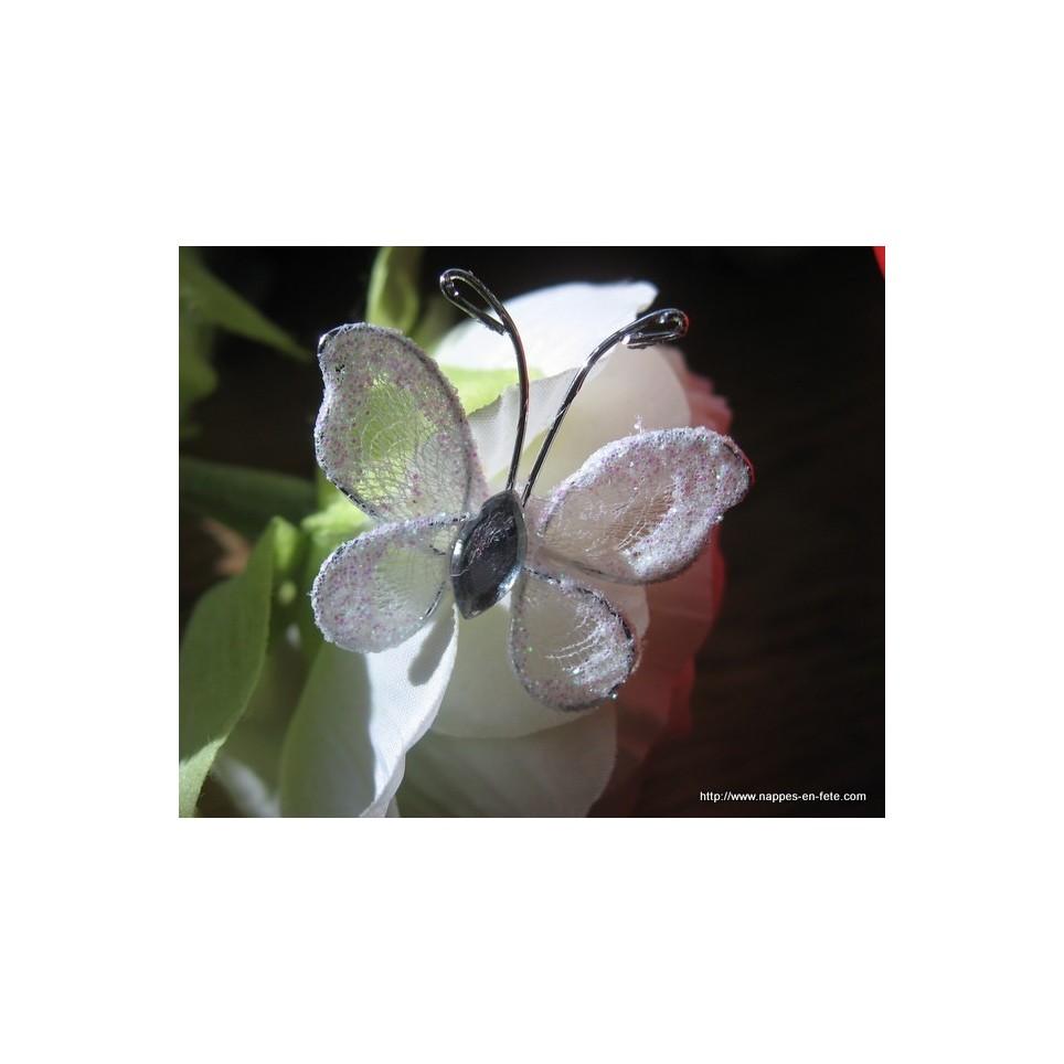 petits papillons blancs pour déco de table