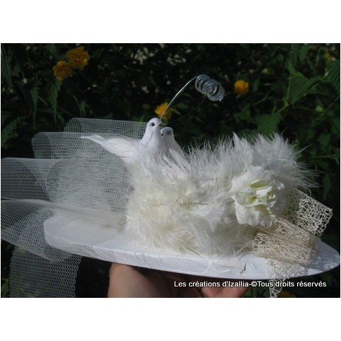Coussin porte alliances original, ivoire, modèle Alizée, pour un mariage magique