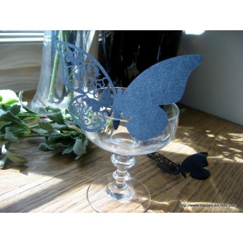 Marque place papillon noir de carbonne en carton découpé