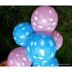 ballon bleu ou rose avec nuages blancs pour pour baby shower party pour fêter bébé avant sa naissance.