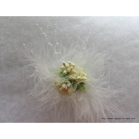 broche modèle astible pour mariée ou demoiselles d'honneur