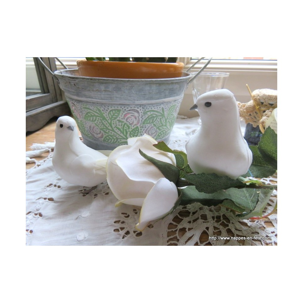Couple d 39 oiseaux de colombes artificielles for Oiseaux artificiels de decoration