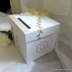 Tirelire de mariage blanche et dorée avec main de fatma