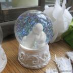 Figurine Sujet Baptême bébé dans boule de neige