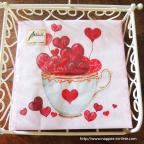 Serviette de table en papier avec cœurs