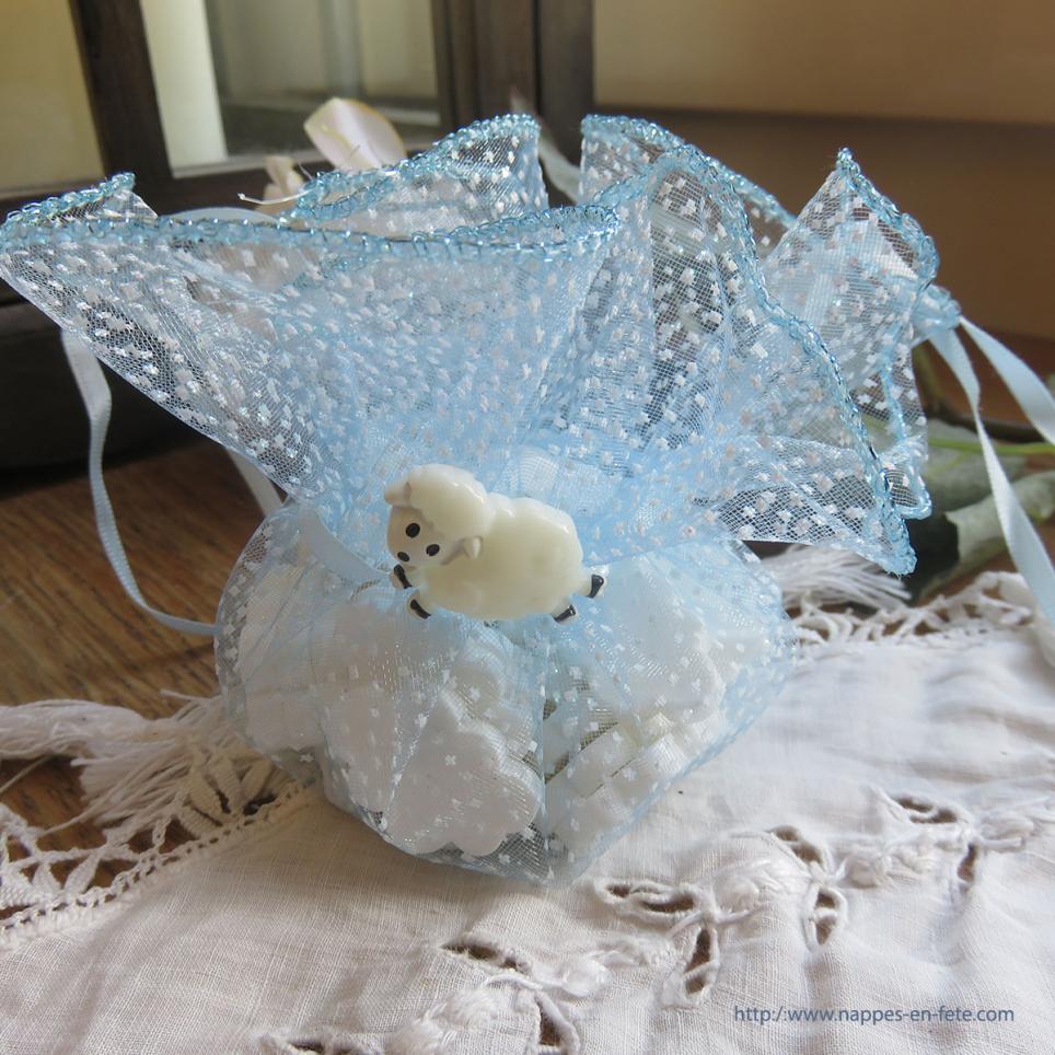 petit mouton blanc figurine pour baptême ou naissance- paillette de table
