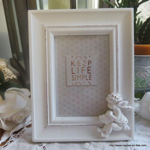 cadre avec ange, cadre photo en bois blanchi avec petit ange