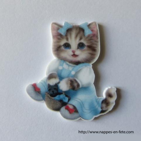 figurine chaton au panier pour baptême ou naissance