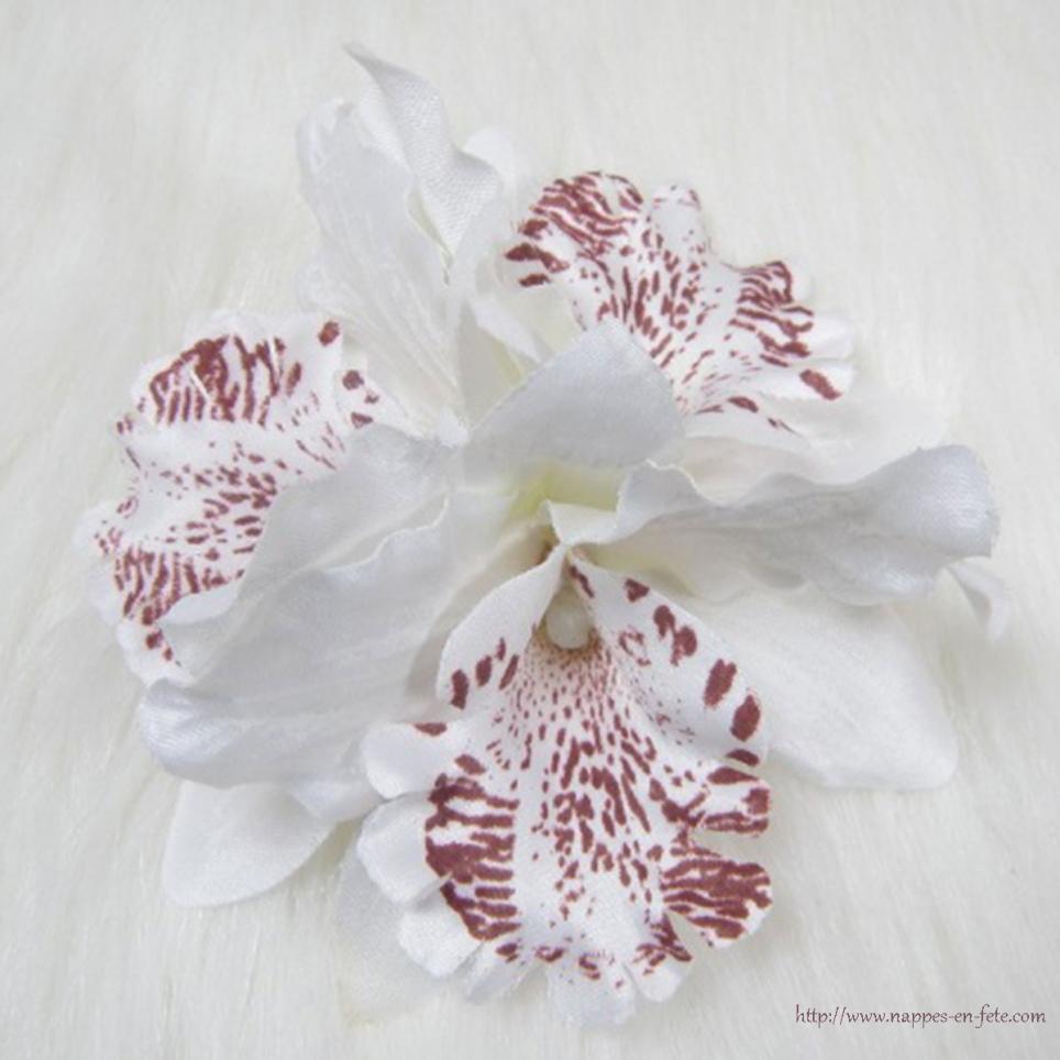 Orchidée double montée sur clip, fleur broche