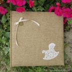 Livre d'or en toile de jute avec petit cheval pour baptême ou naissance
