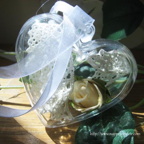 Coeur en plastique transparent déco de table de fête