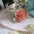 Bracelet avec fleur rose saumon, pour mariage