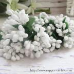 Fleurs miniatures blanches ou ivoire pour décorer vos tulles et boîtes à dragées