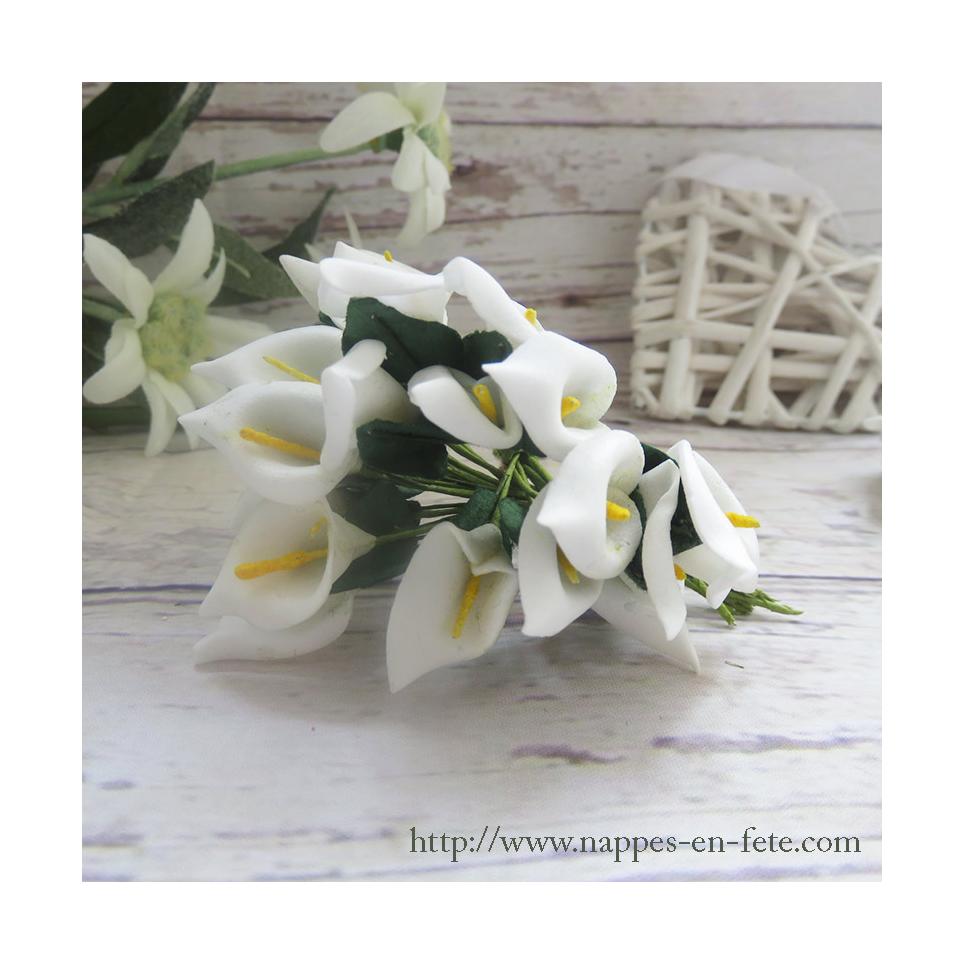 Fleurs miniatures blanches pour décorer vos tulles et boîtes à dragées