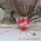 Bracelet fleurs à dominante rose pour mariage