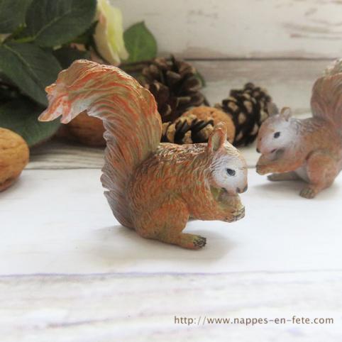 Figurine écureuil pour décoration de table ou gâteau