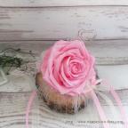 Porte alliances avec rose naturelle stabilisée