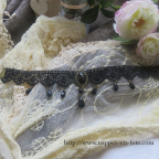 collier gothique en dentelle noire, avec médaillon central