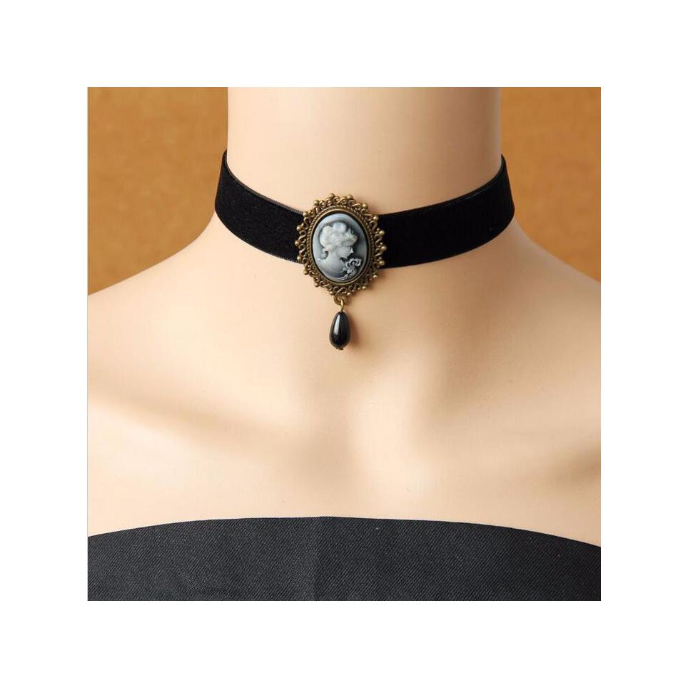 collier gothique en dentelle noire, collier victorien avec perles rondes et médaillon