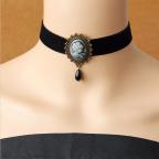 collier gothique en satin noir, avec médaillon camée