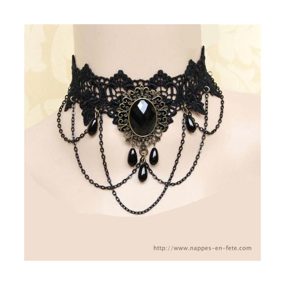 collier gothique noir avec double médaillon