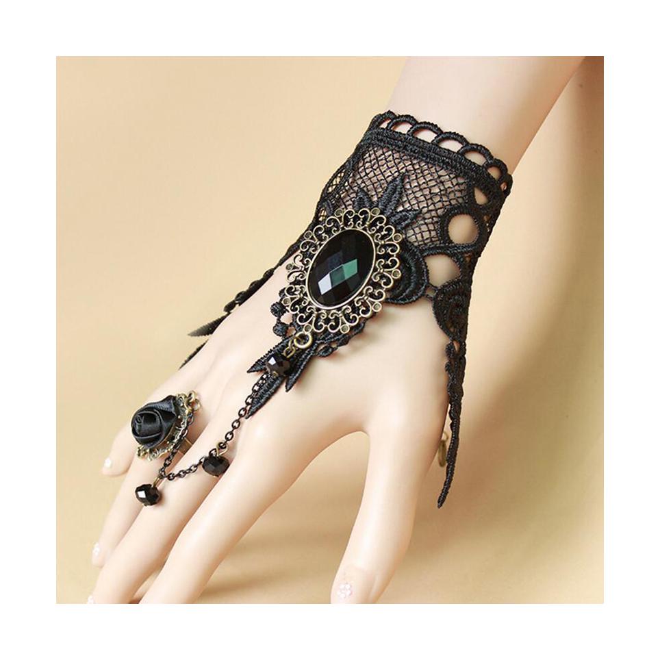 bracelet gothique en dentelle avec bague