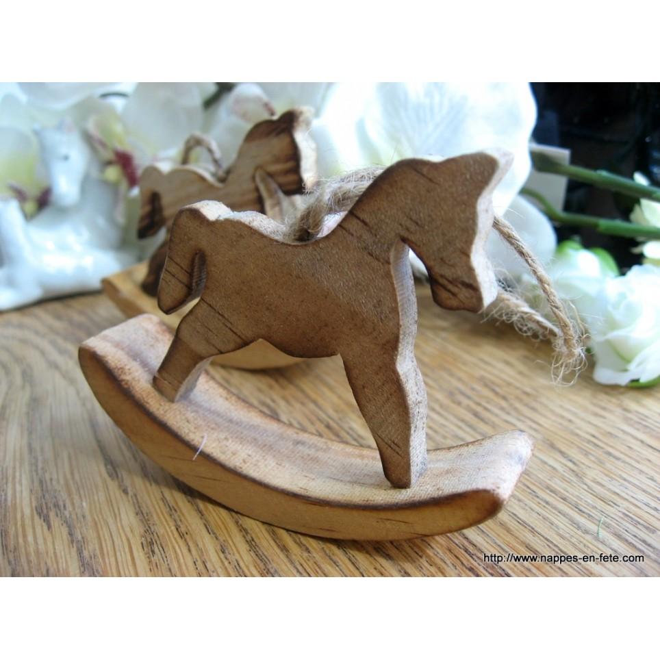 petit cheval à bascule en bois pour baptê
