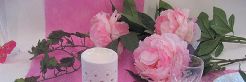 deco de table de mariage blanc et rose nappes en fete. Black Bedroom Furniture Sets. Home Design Ideas